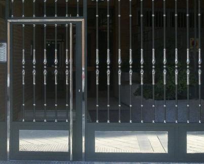 Puertas de acceso a viviendas